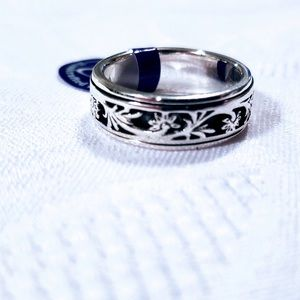 Sterling Silver Fancy Flowers Spinner Band Ring